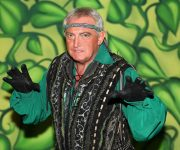 Panto baddie to open grotto!