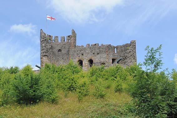 dzg_castle_flag_eng_1_web