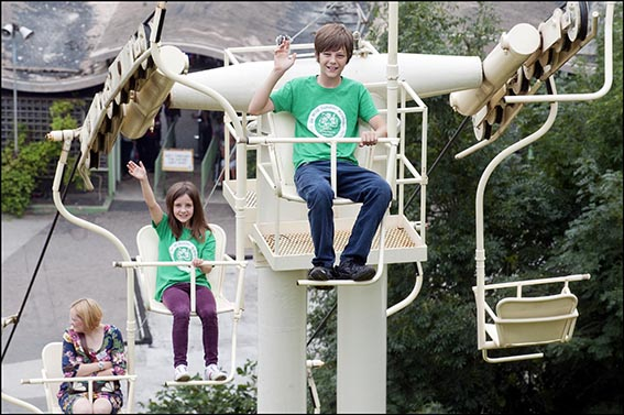 dzg_chairlift_kids_2_web