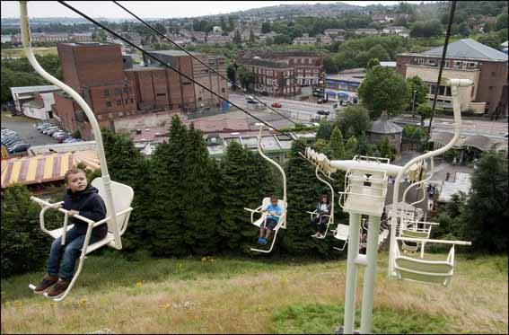 dzg_ps_chairlift